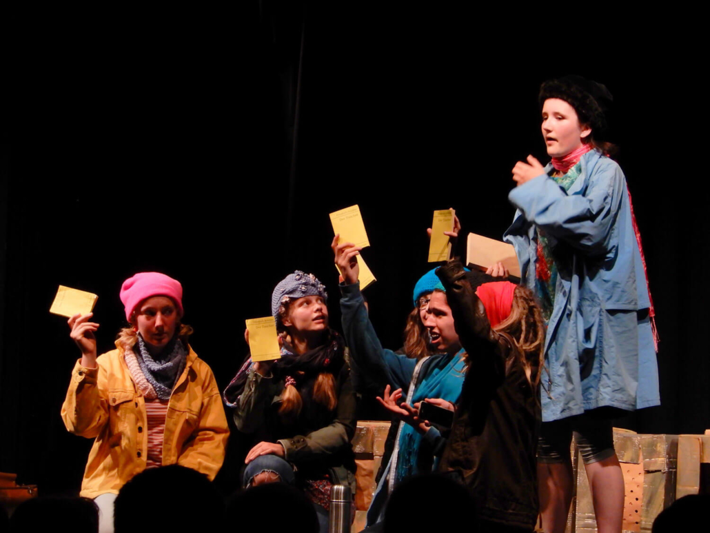 Freiheit schillert - ein Stück des Theaters PATATi-PATATA